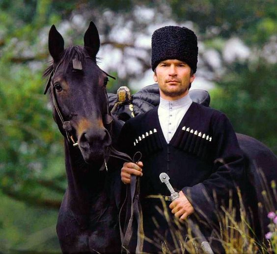 3  chechenskij-nacionalnyj-kostyum-9.jpg
