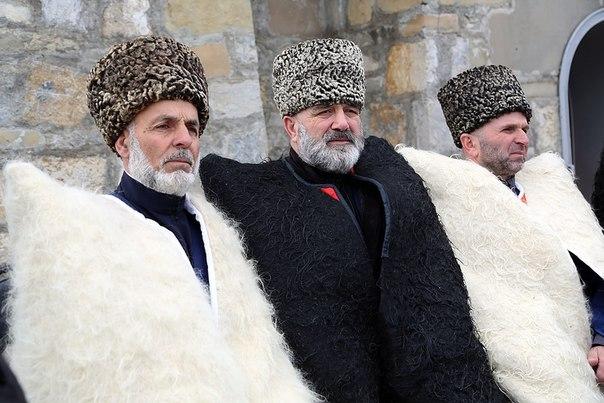 10   chechenskij-nacionalnyj-kostyum-16.jpg