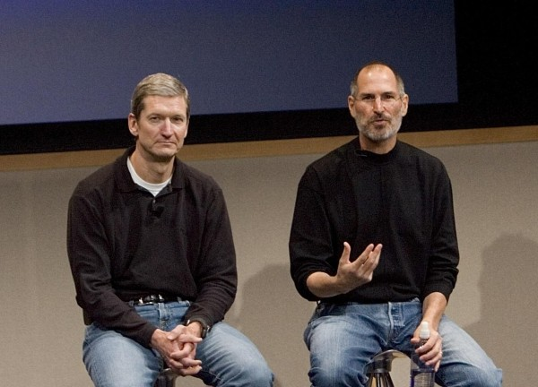 3  tim_cook_steve_jobs.jpg