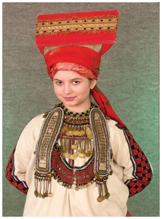 8  mordovskij-nacionalnyj-kostyum-30.jpg