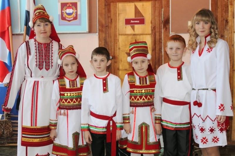 12   mordovskij-nacionalnyj-kostyum-51.jpg