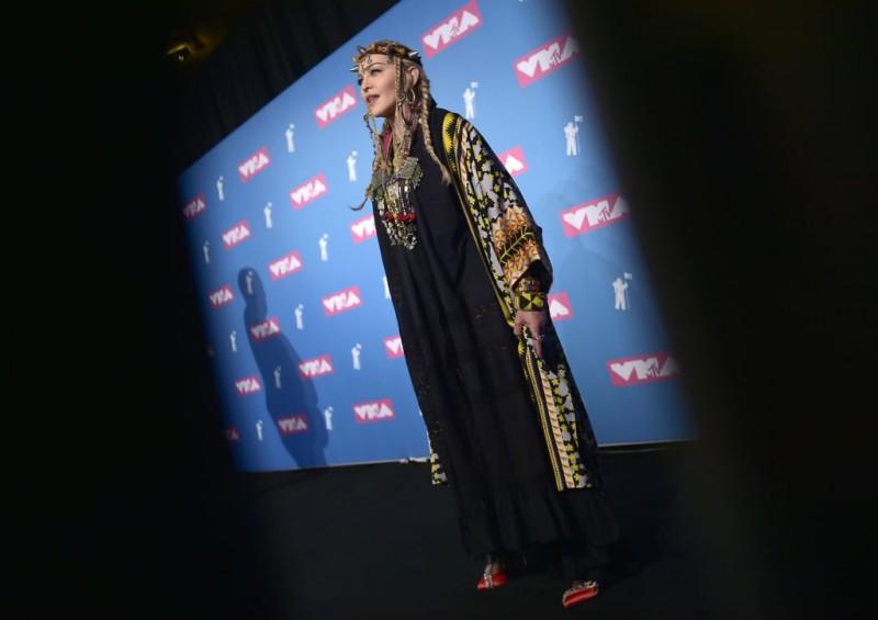 Madonna-Outfit-2018-MTV-VMAs (1).jpg