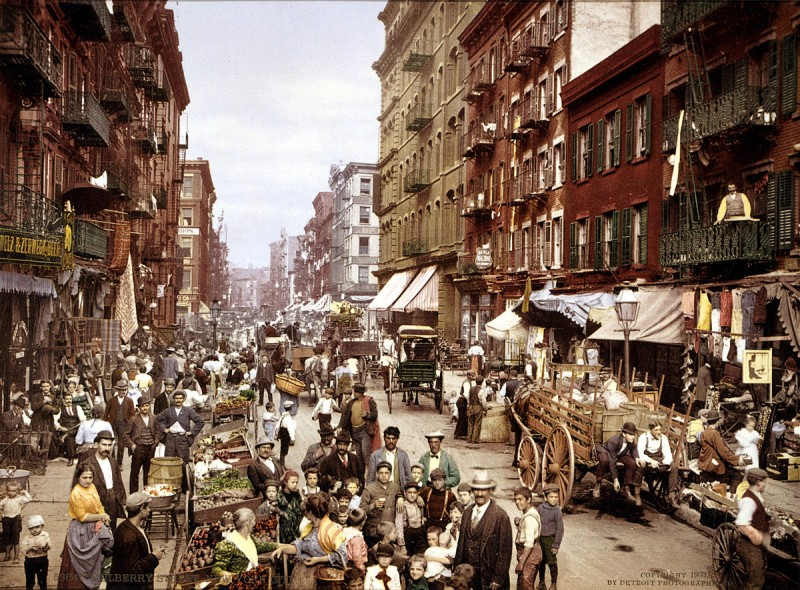 4   1200px-Mulberry_Street_NYC_c1900_LOC_3g04637u_edit.jpg