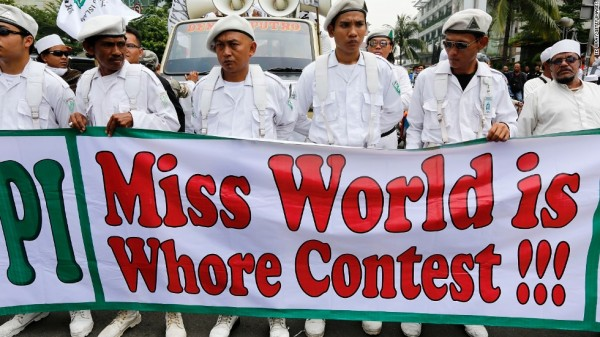 4  130926231259-indonesia-miss-world-protest-horizontal-large-gallery.jpg