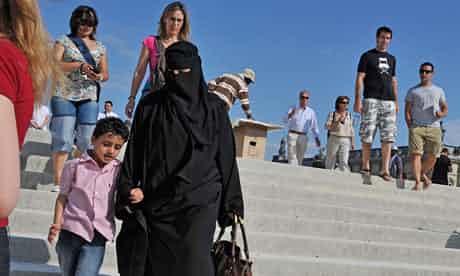 A-woman-in-a-niqab-007.jpg