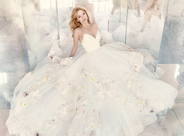 Hayley-Paige-Floral-Wedding-Dress、.jpg