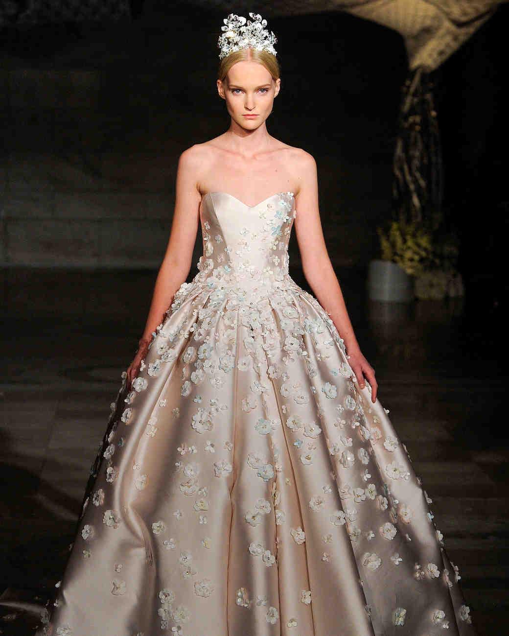6  reem-acra-wedding-dress-fall2019-23_vert.jpg
