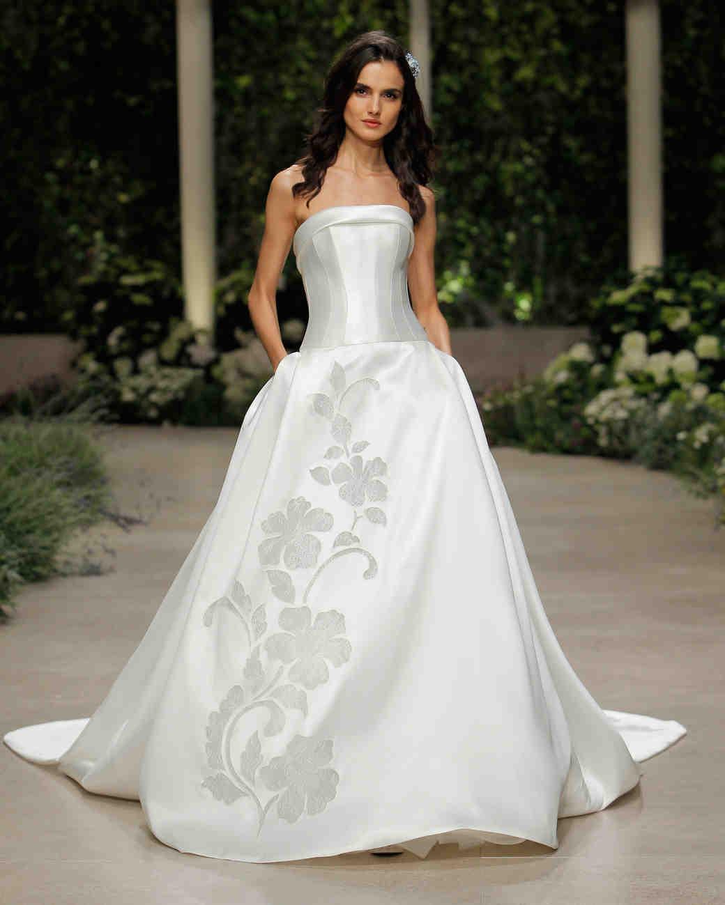 24 pronovias-wedding-dress-spring2019-35_vert.jpg