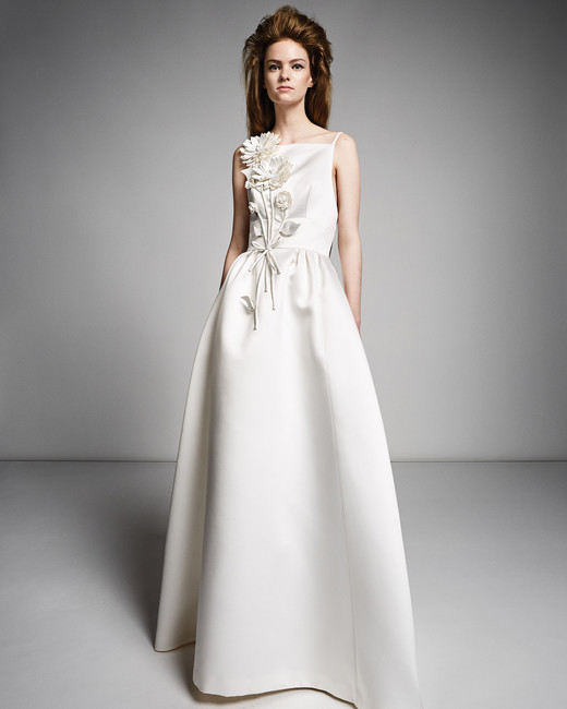 25 viktor-rolf-marriage-wedding-dress-fall2019-08_vert.jpg