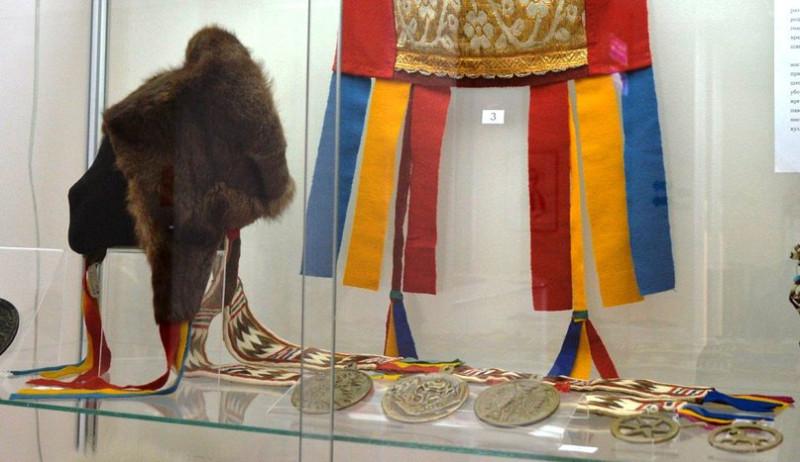 Ненецкая шапка Пярьтав с сава' нэ на мини-выставке «Всё дело в шляпе».jpg