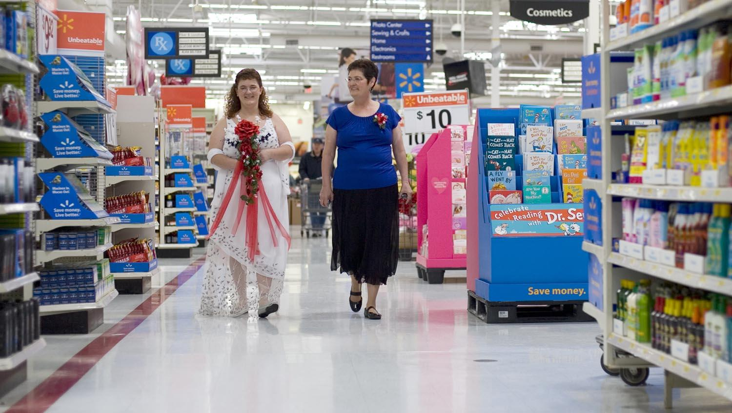 life--10-awkward-things-that-have-happened-at-walmart--walmart-wedding--4178319.jpg