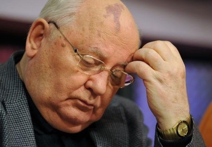 Mikhail-Gorbachev-Omega-Constellation-Manhattan.jpg