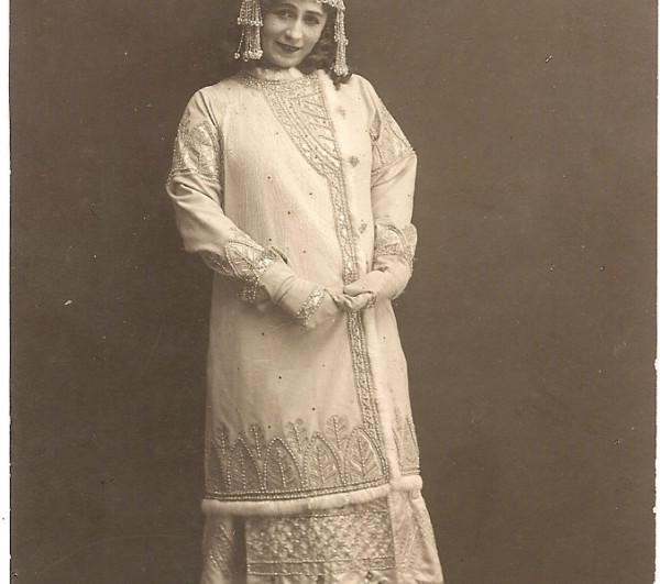 1907  Nezhdanova Snegurochka.jpg