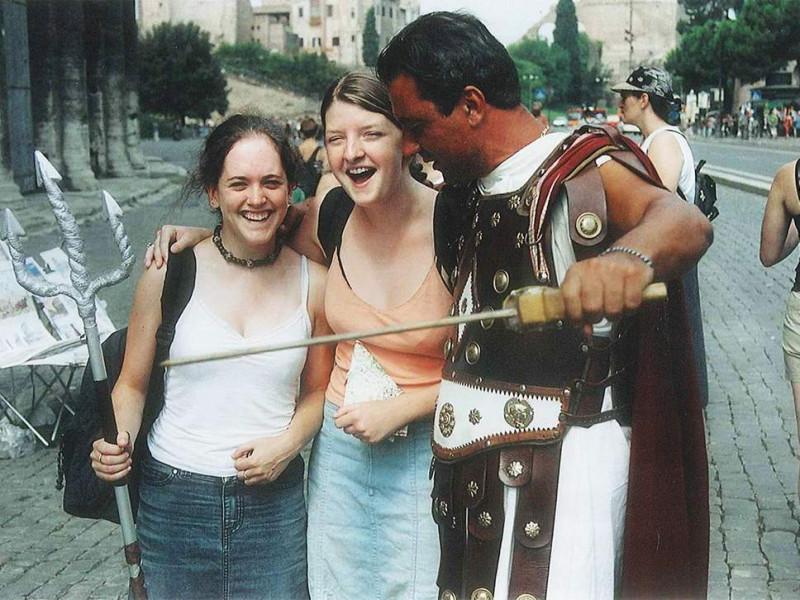 11  pg-26-rome-conmen-2.jpg