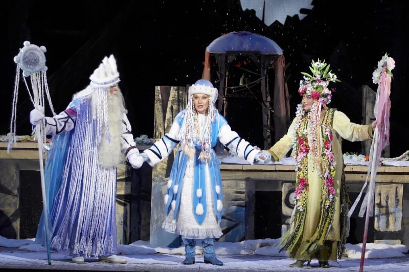 2007 Красноярский театр оперы и балета.jpg