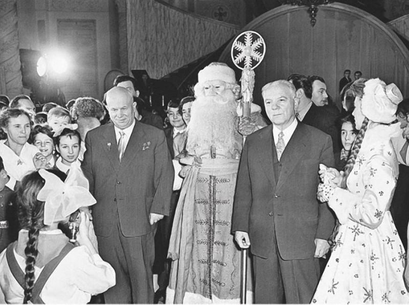 1950-e Хрущев на празднике новогодней елки в Кремле.jpg