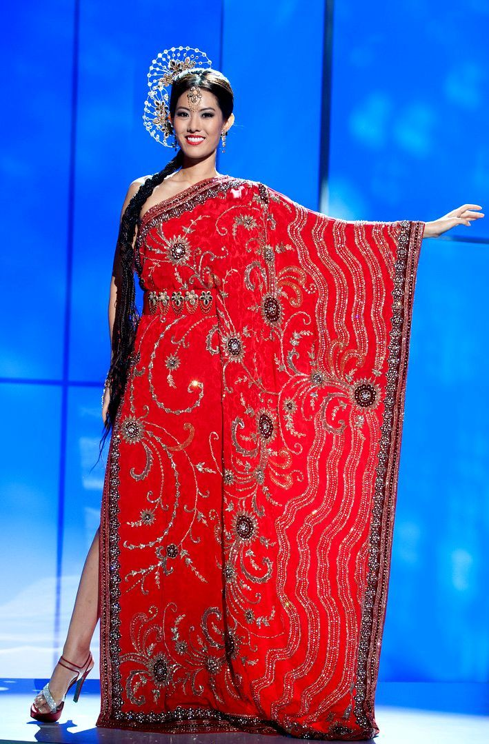 2011 Miss Singapore from 2011 Miss Universe National Costume.jpg