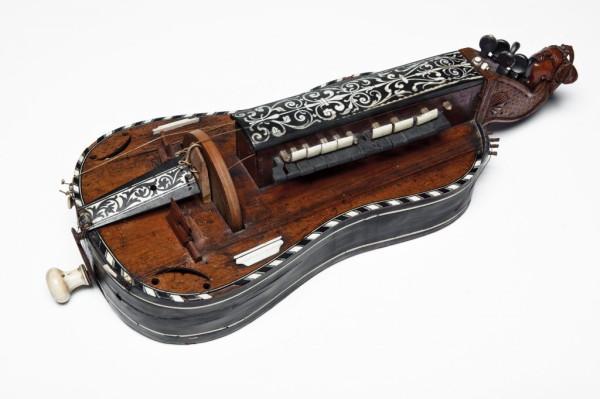5  Hurdy-gurdy.jpeg