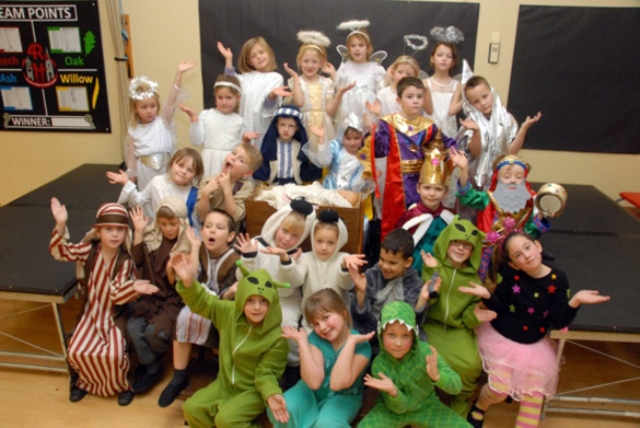 4 Alien-Nativity-William-Stukeley-Primary-School.jpg