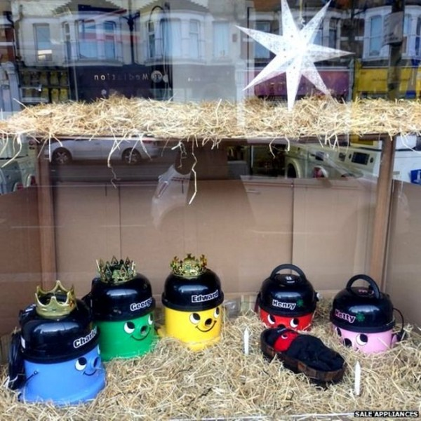 100  Christmas Henry vacuum cleaner nativity made in Westcliff-on-Sea.jpg