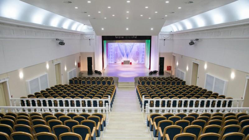 обновленный зал культурного центра Соломбала-АРТ.jpg