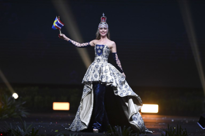 Sweden a costume about love and friendship, representing 150 years of friendship between Thailand and Sweden.jpg
