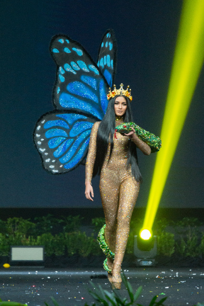 Venezuela the goddess of nature depicted in thousands of crystals..jpg