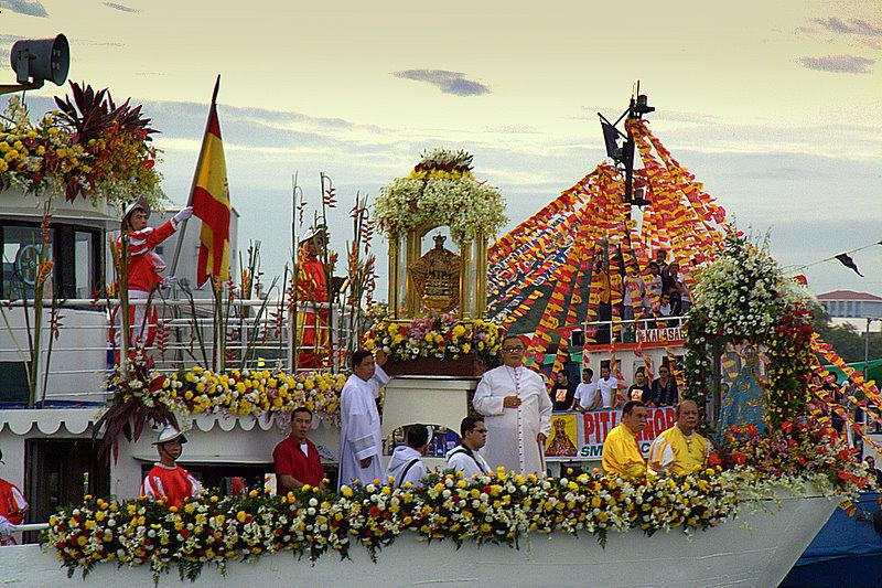 Sinulog_Festival_-_Fluvial_Procession_(3298505319).jpg
