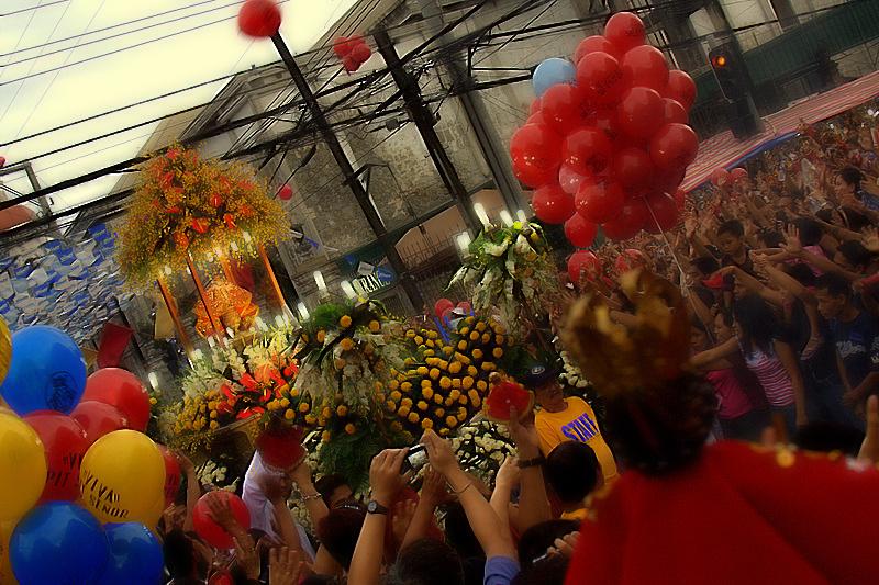 Sinulog_Festival_-_Procession_(3299334480).jpg