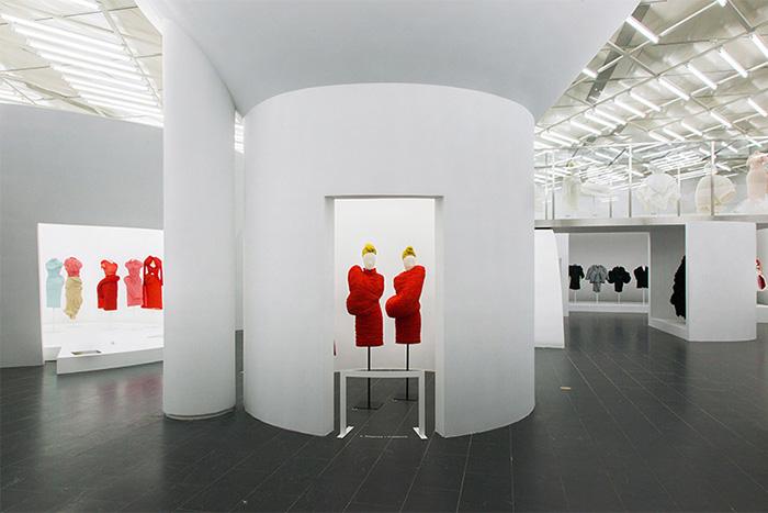 18 Выставка моделей Рей Кавакубо..jpg