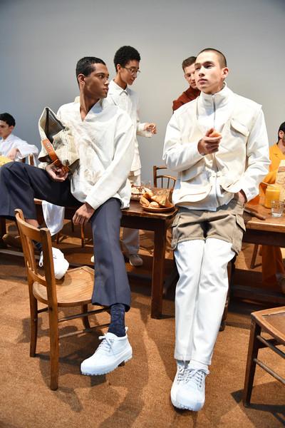 3 Jacquemus+Runway+Paris+Fashion+Week+Menswear+TjGW24-B8qpl.jpg