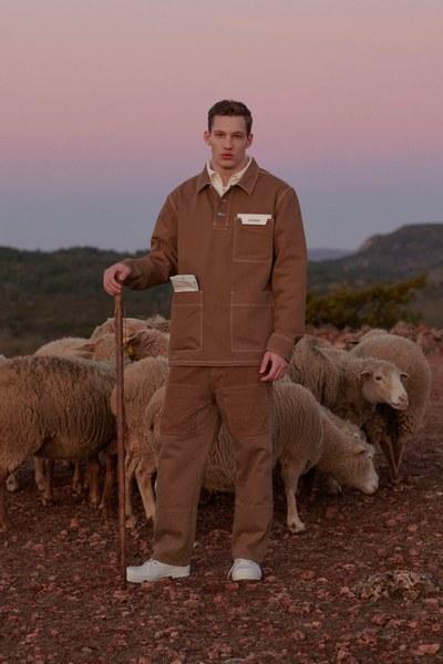 4  jacquemus-menswear-fall-2019-CREDIT-Bruno-Staub.jpg
