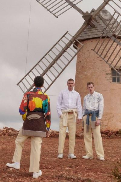 9 -jacquemus-menswear-fall-2019-CREDIT-Bruno-Staub.jpg