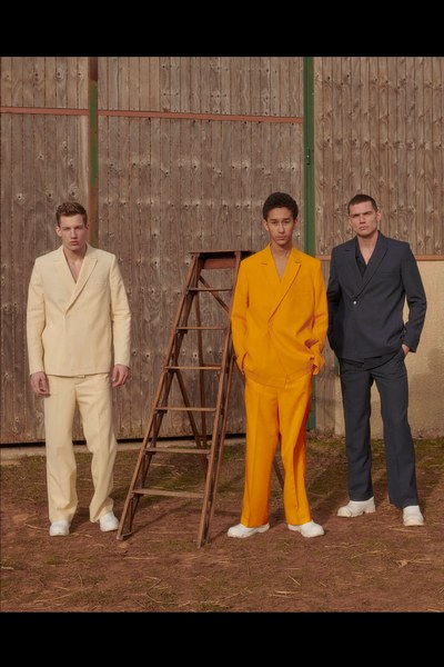14 -jacquemus-menswear-fall-2019-CREDIT-Bruno-Staub.jpg