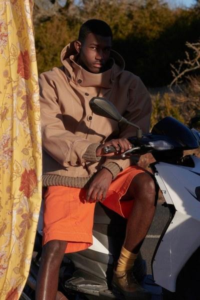 20-jacquemus-menswear-fall-2019-CREDIT-Bruno-Staub.jpg