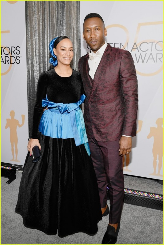 Mahershala Ali & Wife Amatus Sami-Karim Hit the Red Carpet at SAG Awards 2019.jpg