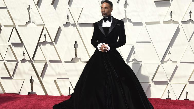 billy-porter-storms-oscars-red-carpet-with-outfit-thats-both-tuxedo-and-gown-136434116253640701-190225001042.jpg