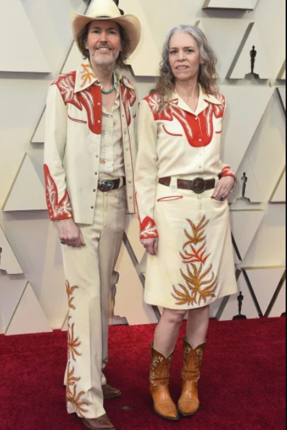 _David Rawlings, left, and Gillian Welch - Copy.PNG