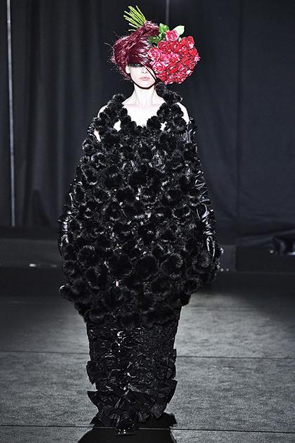 13 Показ Noir Kei Ninomiya во время Парижской недели моды сезона осень-зима 2019.jpg