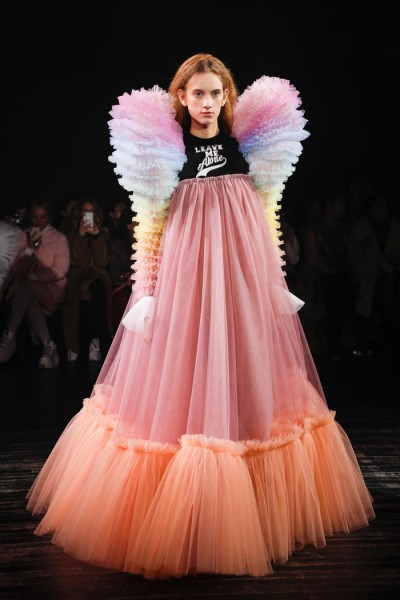8 Viktor-Rolf-Spring-2019-Couture-Collection-Paris-Fashion-Week-PFW-Runway-Fashion-Tom-Lorenzo-Site-4.jpg