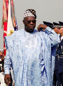 Olusegun_Obasanjo_DD-SC-07-14396-cropped.jpg