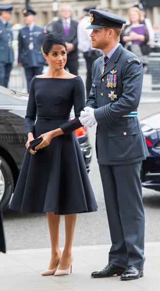 9 Образ от Dior на празднованиях в честь 100-летия Королевских ВВС – £4020.jpg