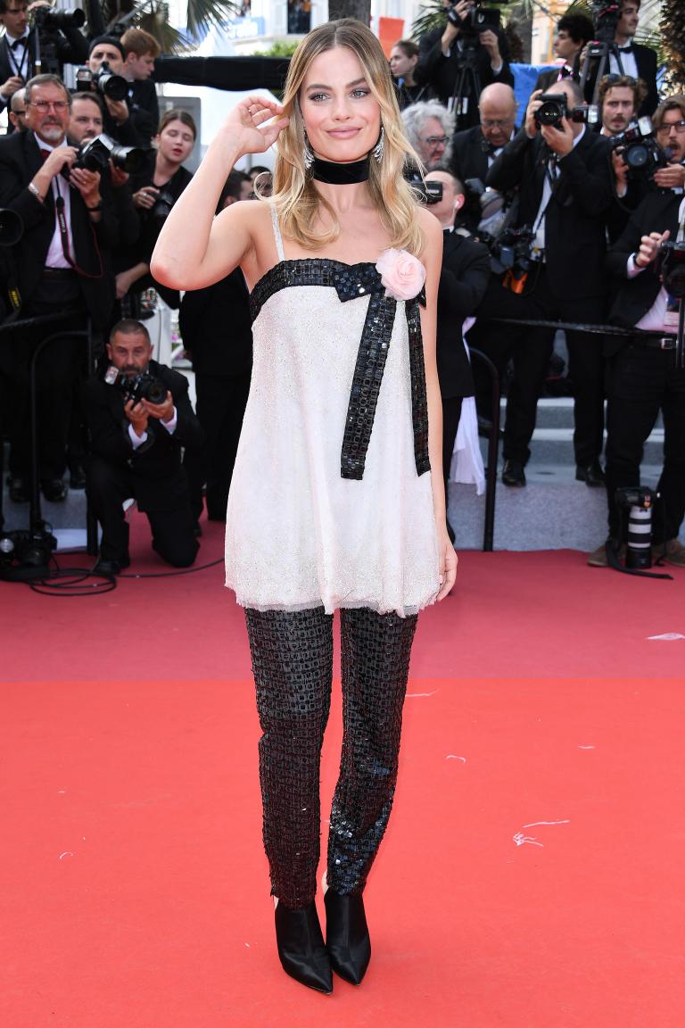 12  Margot Robbie  arantino-cannes-4.jpg