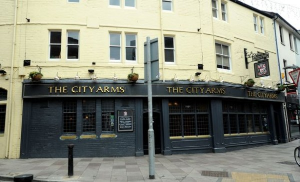 10  Stock-images-of-Bars-and-pubs-in-central-Cardiff.jpg