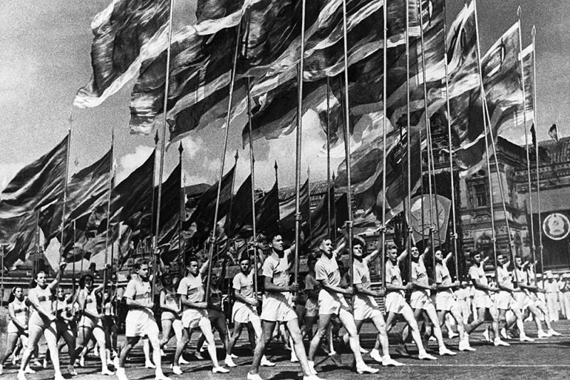 Первомайская демонстрация в Москве, 1947 годjpg.jpg