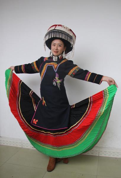 00_Yi_minority_in_traditional_00.jpg