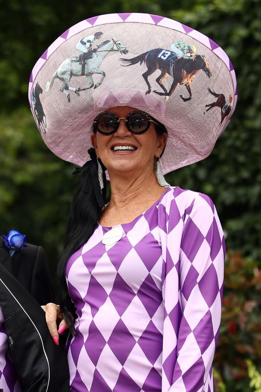 7  royal-ascot-2019-hats-1560861677.jpg