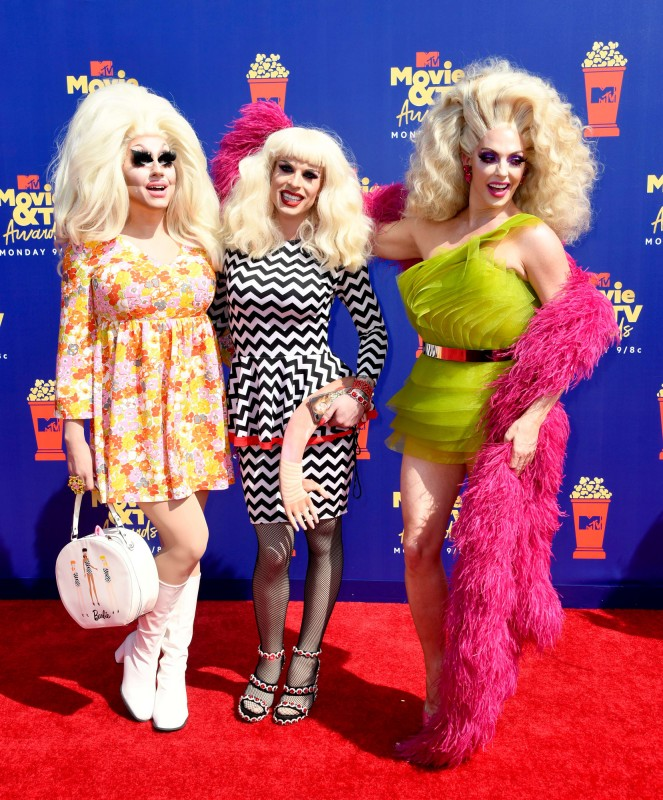 2   mtv-movie-tv-awards-2019-red-carpet-trixie-mattel-katya-alyssa-edwards.jpg