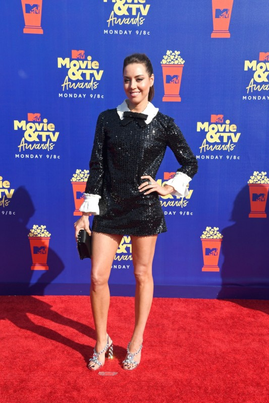 8  mtv-movie-tv-awards-2019-red-carpet-aubrey-plaza.jpg