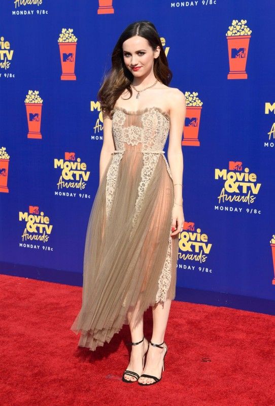 mtv-movie-tv-awards-2019-red-carpet-maude-apatow.jpg